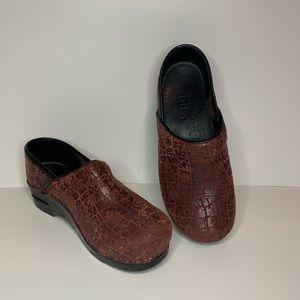 Sanita Clogs Size 38 Red